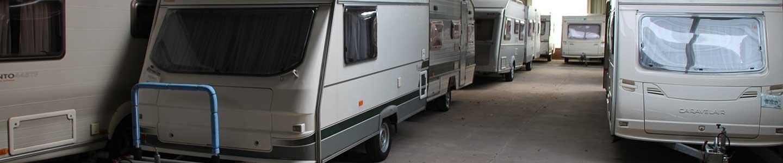Overdekte en dichte caravanstalling.<br/>Vraag naar de mogelijkheden,<br/>voorwaarden en prijzen
